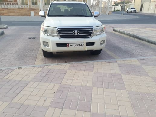 Toyota land cruiser gxr 2014 v8