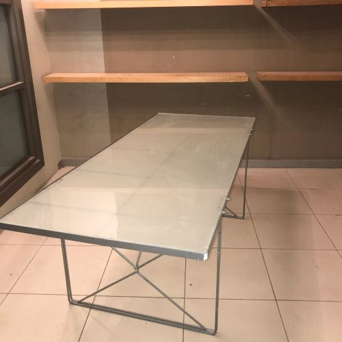 Meeting / dining table