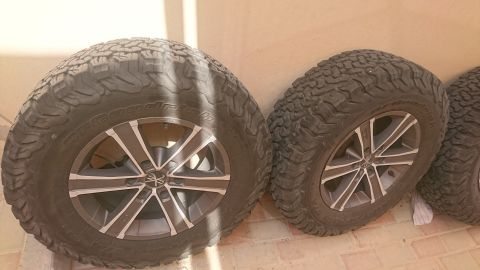 Rally rims with tyres