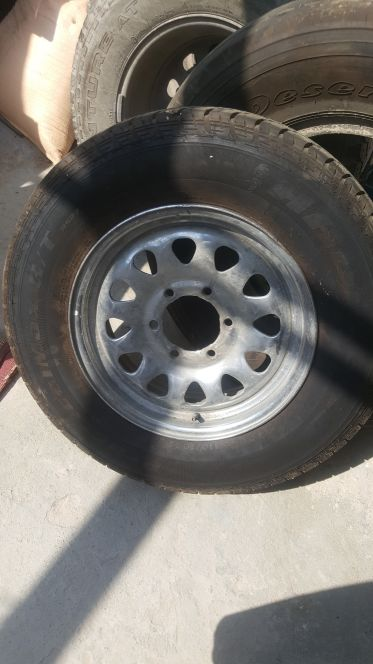 16 inch rims with tyres.