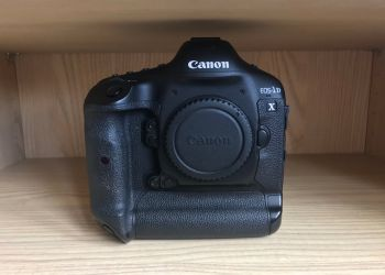 Canon 1dx Mark 1 like new