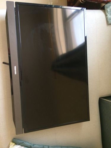 Toshiba led 32 inch like new