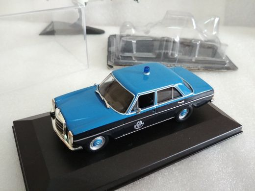 1:43 Qatar old traffic model car