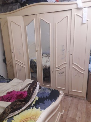 cupboard 6 doors