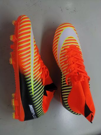Football soccer shoes