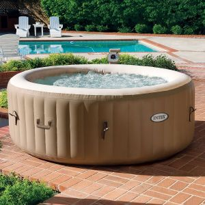 Swimming pool sauna
