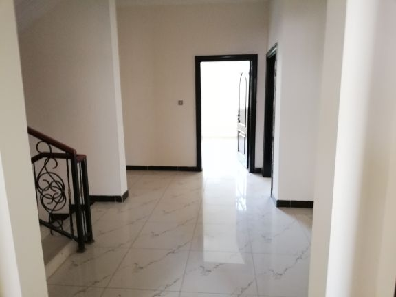 Villa in complex in Ain Khaled 5bedrooms