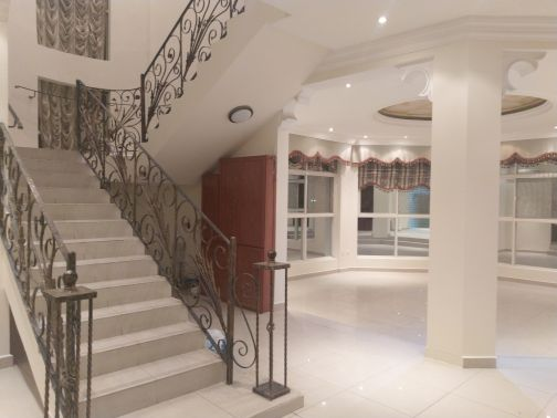 For rent in Al Dafna  perfect location