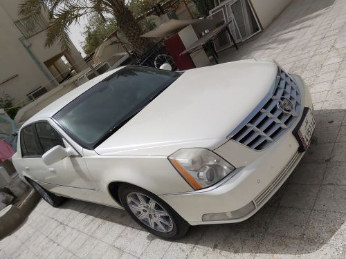 Cadillac DTS IN GOOD CONDITION