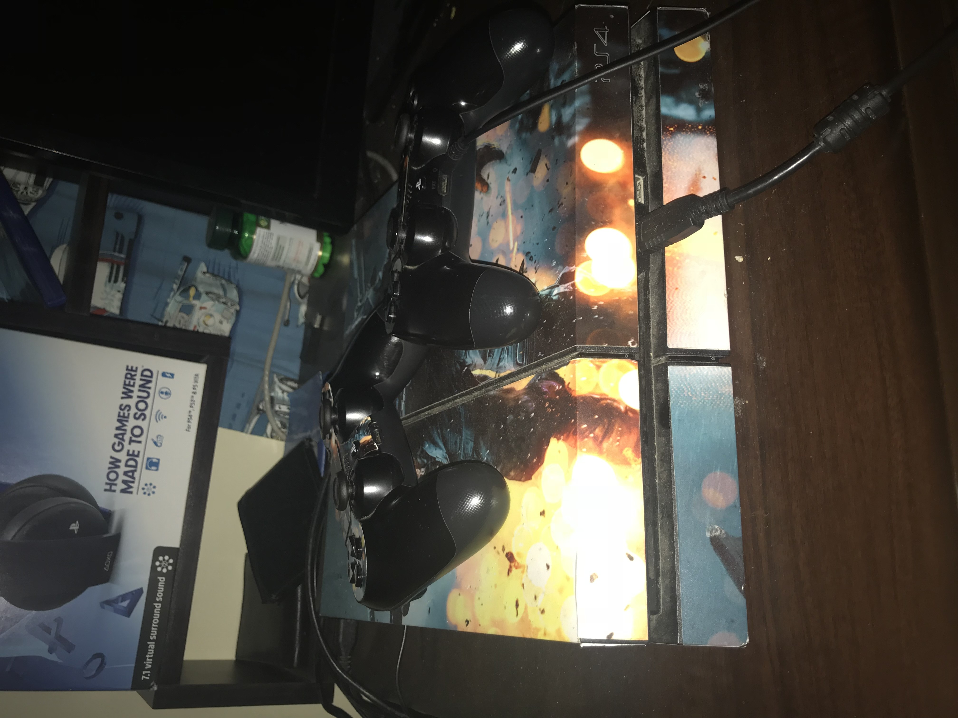Ps4 -2 controllers + 9 games