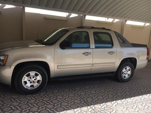 Chevrolet Avalanche 2010 Perfect