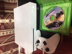 (Xbox s)Used only week