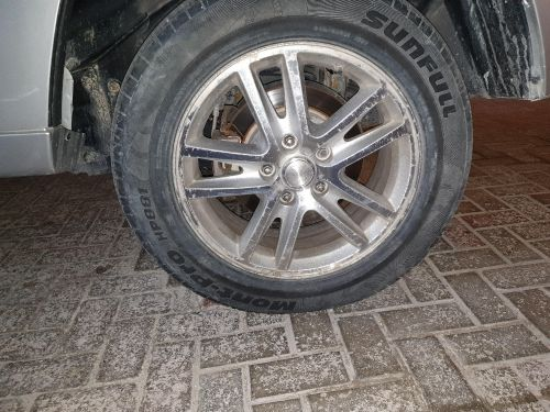 "original jeep 18"" rims and tyres"