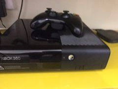 XBOX 360 500 GB with 1 controller