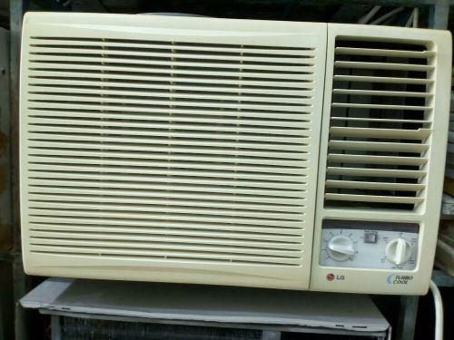 GOOD AC FOR SALE LOW PRICE