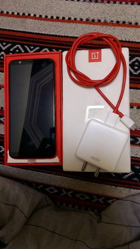 oneplus 5t red 8 /128 gb