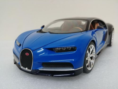 1:18 bugatti model car