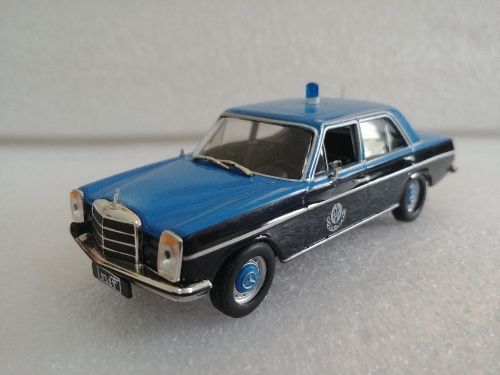 1:43 Qatar old police model car