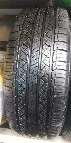 245/60/18 (Michelin) Good condit