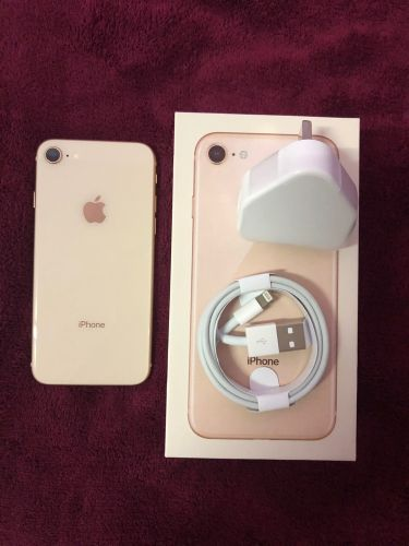 iphone 8 Gold 64GB used new