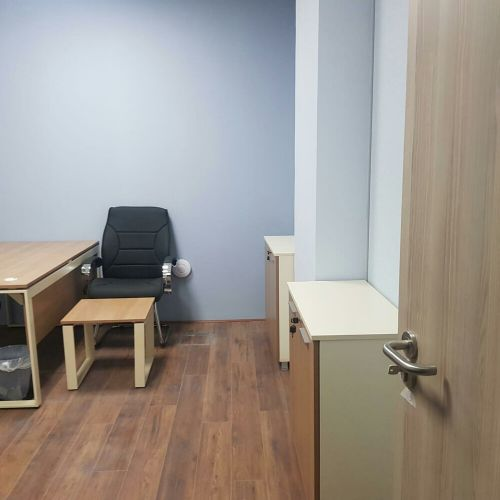 small and large office lusial