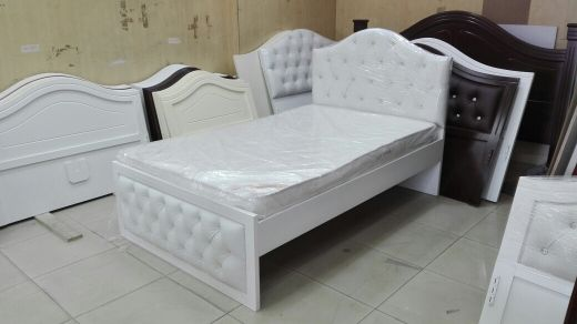 Bed with jelth design