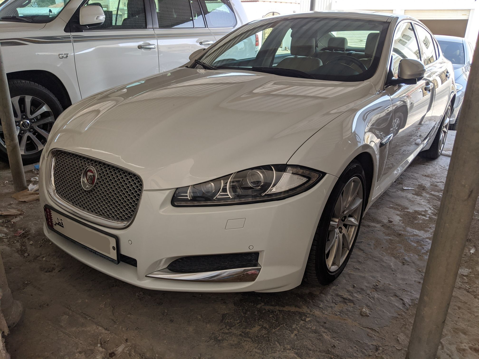 2015 Jaguar XF with warranty