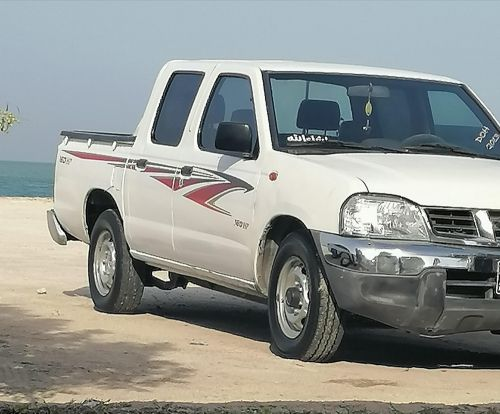 Nissan pick up model 2013