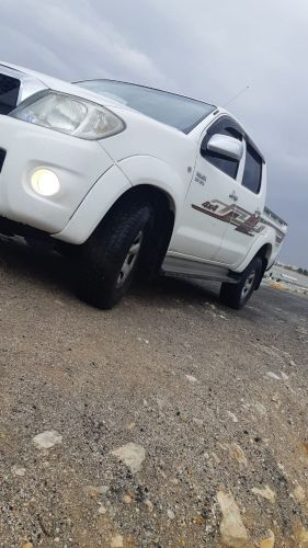 Toyota hailux 2011 for sale