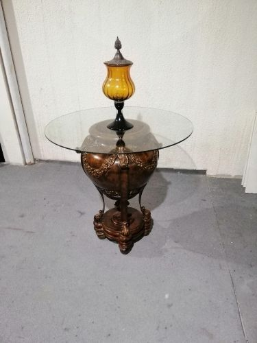 FOR SALE GLASS TABLE GOOD