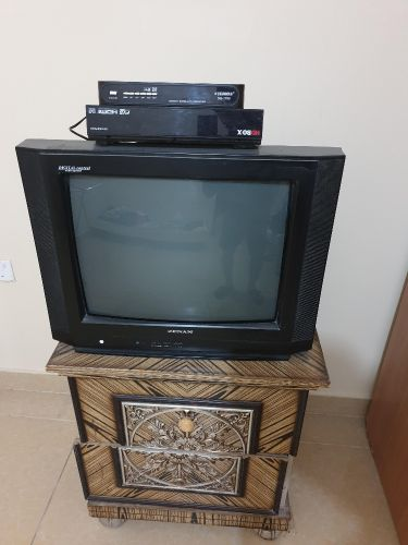 tv and 2 recivers for sale