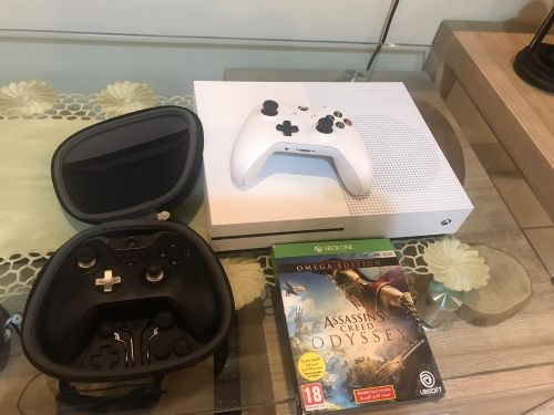 Xbox One S and Elite Controller