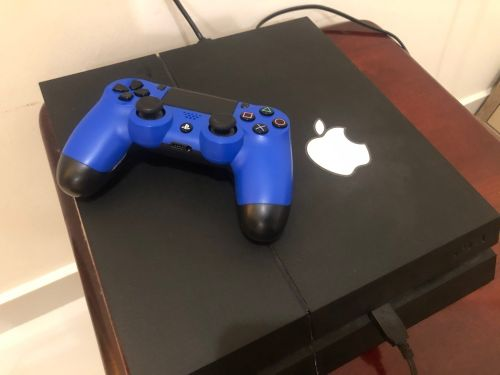 ps4 500 gb with 5 games