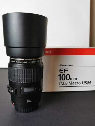 CANON 100mm Macro F2.8 USM Used in Great condition with box