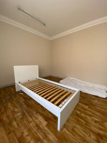 bed room white colour