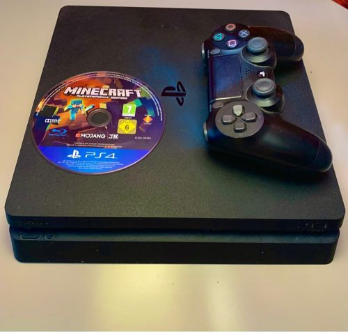 ps4 slim, 1TB with Minecraft game