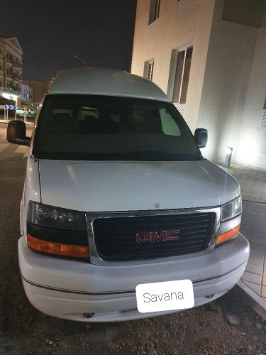 GMC Savana Starcraft