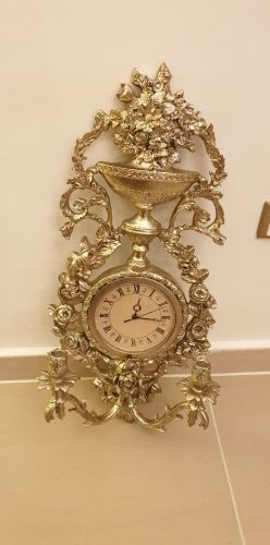 """classic clock, """"from midas store"""""""