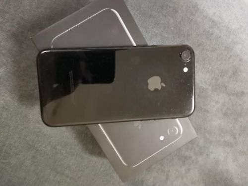 Iphone 7 / 128 GB / Complete Box