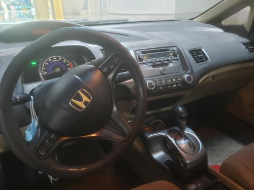 Honda civic full options istimara one year