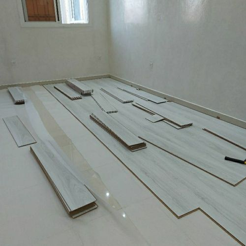 Flooring by wood (Barkia)