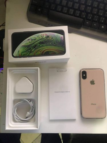 iphone xs with warranty and box