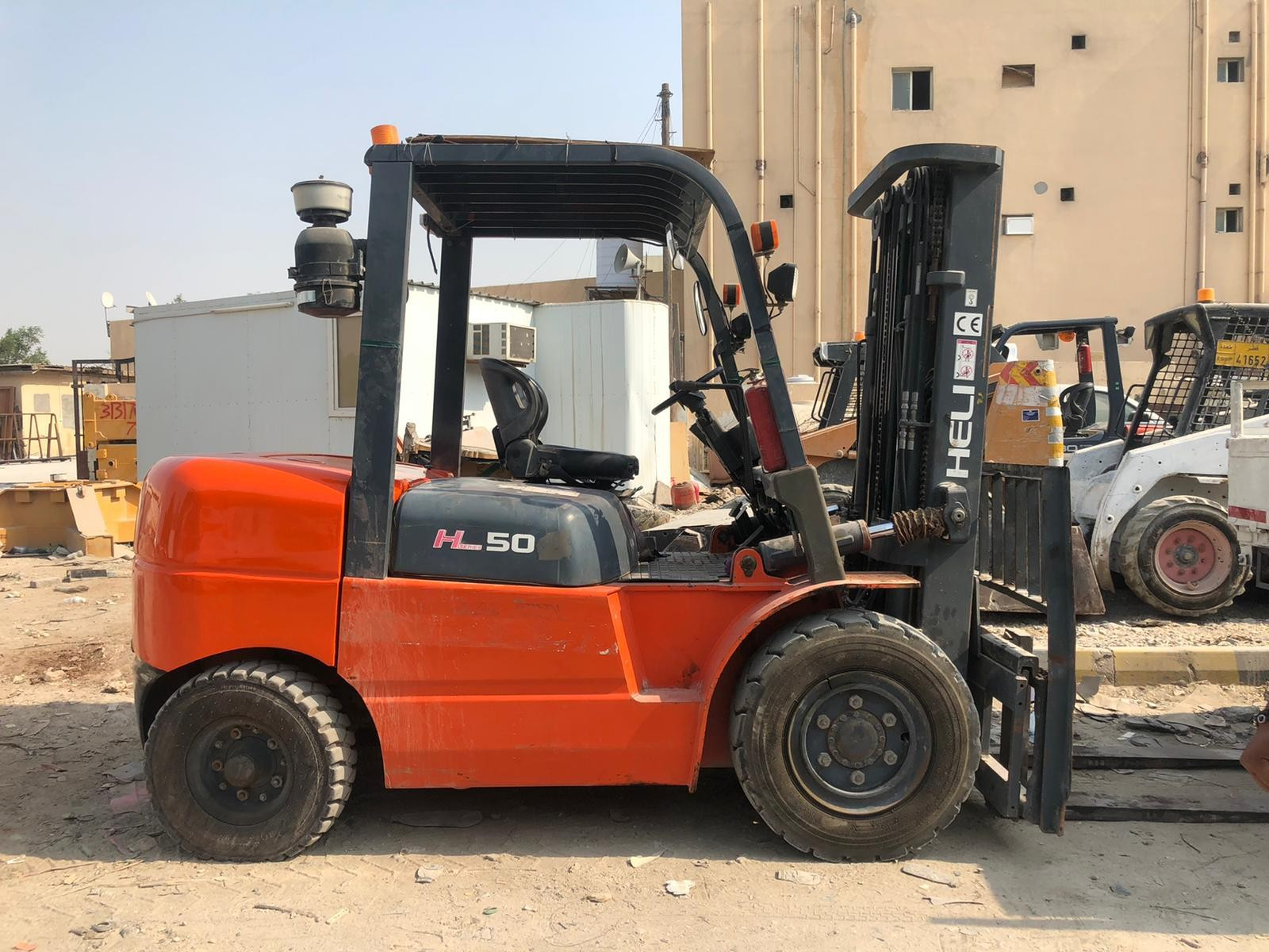 5-ton forklift with operator