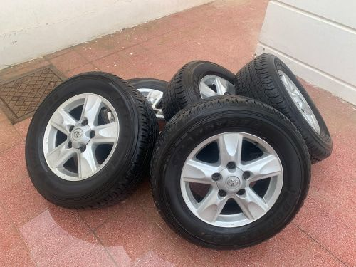 5 toyota  rims size 18 with Tires