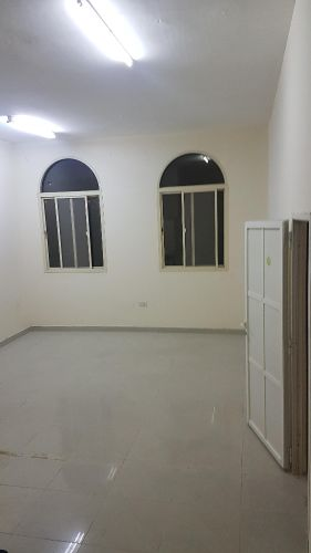 a big room for rent wirh barhroom and service kitchen