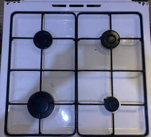 cooker in 4 units good condition