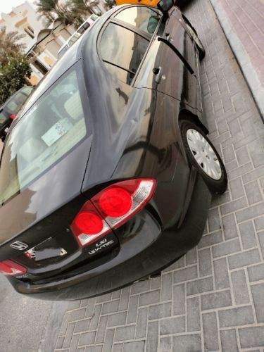 Black Honda Civic 2008