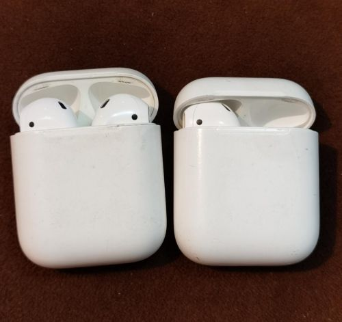 Two apple Airpods orignal