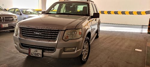 2009 Ford Explorer almost Brand New