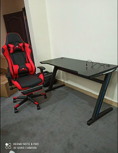 Gaming table with chair new